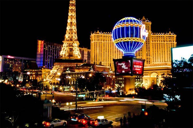 Las Vegas Strip Paris Balloon