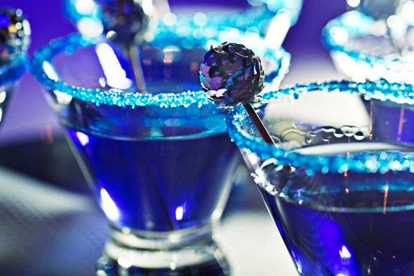 Blue iridescent drinks at Sapphire