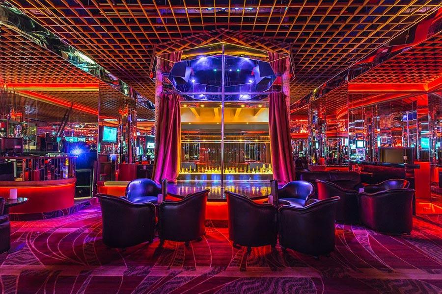 Crazy Horse 3 strip club interior