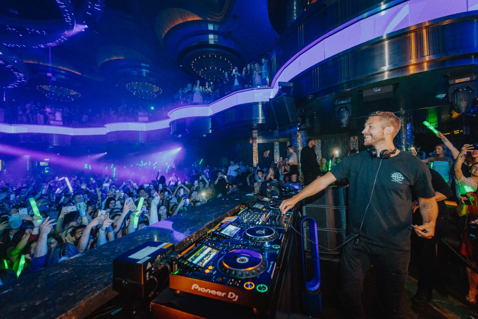 Calvin Harris entertains the crowd at Omnia nightclub inside Caesar's Palace Las Vegas