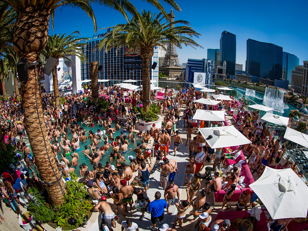 Pool party at Drais' Beachclub and Nightclub