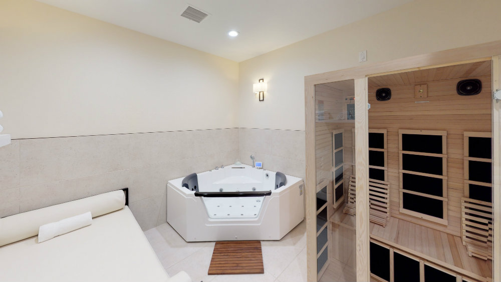 Private hot tub and infared sauna in Las Vegas