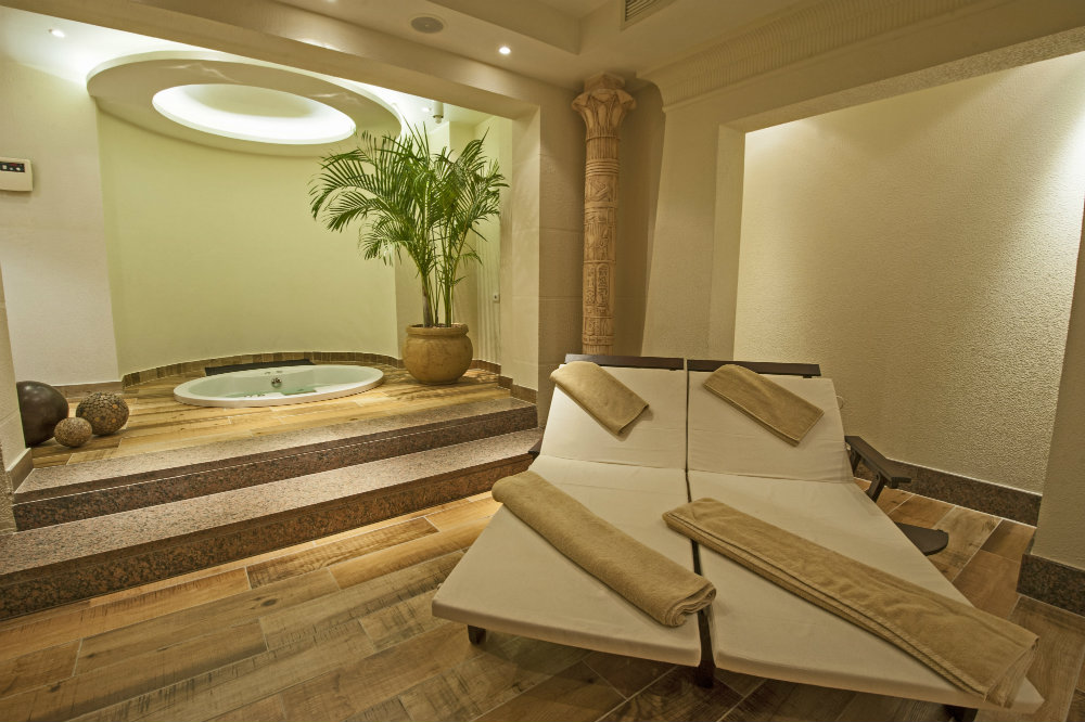 Enjoy at Private hot tub and sauna in Las Vegas